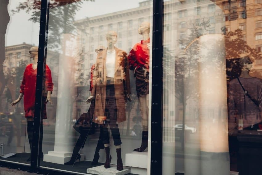 The importance of window displays in retail businesses